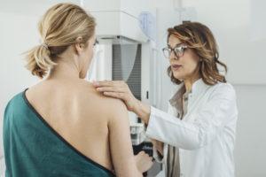 woman receiving a mammogram